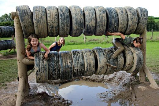 Bear Trail Cullompton tyre roll