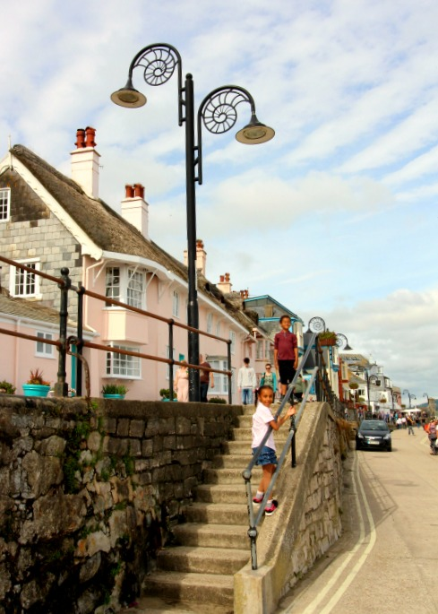 open top bus sightseeing tour devon and dorset lyme regis steps