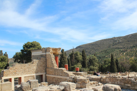 Crete on the Cheap palace of Knossos